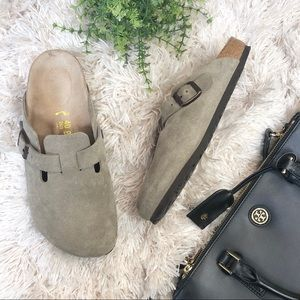 Birkenstock | Boston Suede Taupe Clogs 10/40